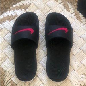 nike slides w/ hot pink detail